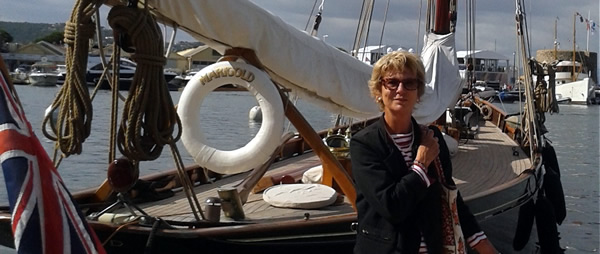 Dominique Pérotin in front of MARIGOLD, the boat of Mr & Mrs Glen Allan